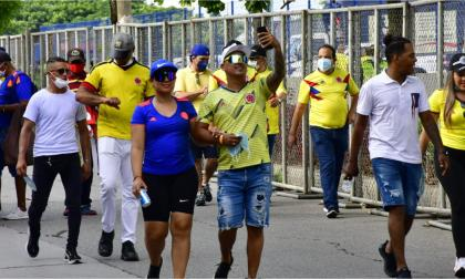 Ambiente de fiesta previo al encuentro Colombia - Chile en Barranquilla