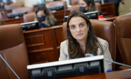 Liberales respaldarán moción de censura contra Mintic