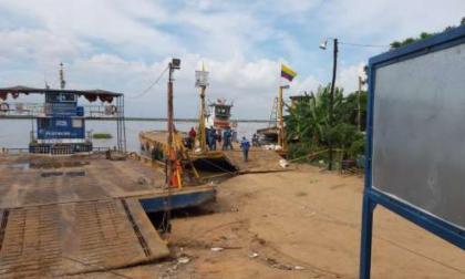 Gobierno recomienda construir un espigón en el puerto del ferry de Salamina