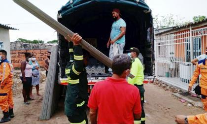 Alcaldía de Soledad entrega ayudas humanitarias en zona afectada por fuertes lluvias
