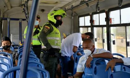 Transporte público opera con normalidad; Policía brinda seguridad