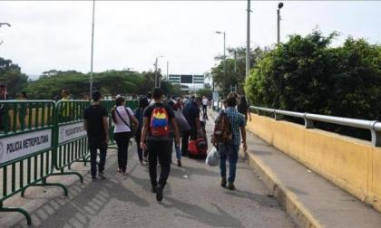 Pico y cédula para tránsito de personas en frontera entre Colombia y Venezuela