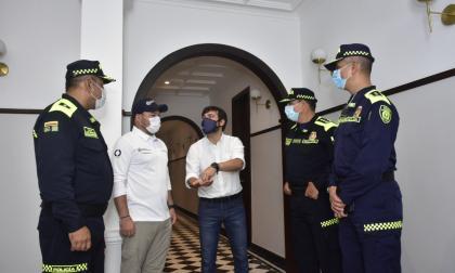 """""""Dele buenas noticias a Barranquilla"""": Pumarejo a comandante de la Mebar"""
