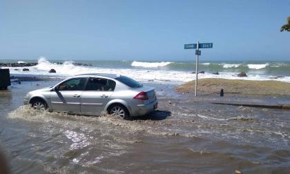 Mar de leva causa problemas de movilidad en Cartagena