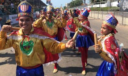 El color adorna la Gran Parada de Tradición