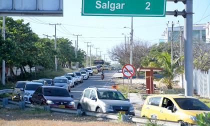 Cierran vías de ingreso a Puerto Colombia por afluencia de turistas