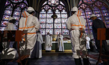 Recaudan fondos para la renovación de Notre Dame en París