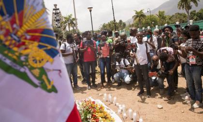 Haitianos rinden homenaje al presidente Jovenel Moise