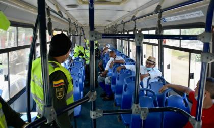 Policía realiza operativos en las rutas de buses