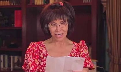 En video   La Chimoltrufia llora al leer poema inédito de Navidad de Chespirito