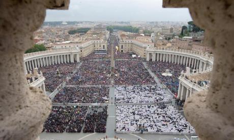800 mil personas asistieron a la ceremonia de canonización de Juan Pablo II y Juan XXIII