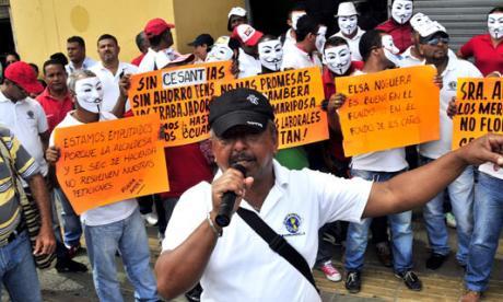 Desde las 6 a.m. protestaron los trabajadores de los mercados públicos.