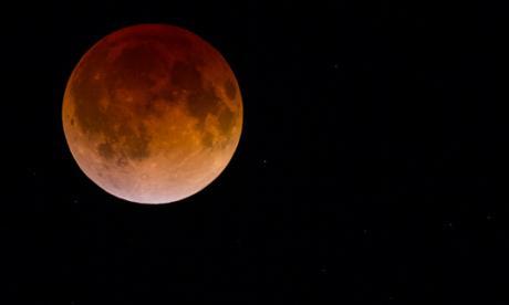 Superluna de 'sangre', la ciencia y los mitos detrás de un eclipse