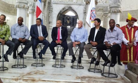 Santo Domingo agasaja  al 'Niño de Barranquilla'