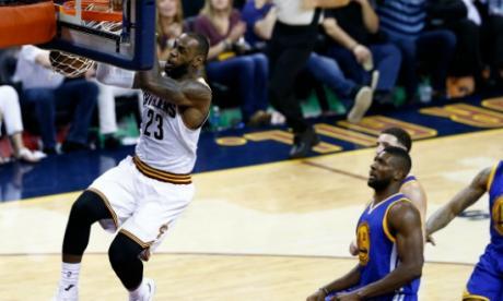 LeBron vuelve a salvar a los Cavaliers y el título se decidirá en Oakland