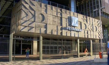 Brasileña Petrobras suspende operaciones en una refinería por accidente