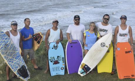 Huracán, fiesta para los surfistas