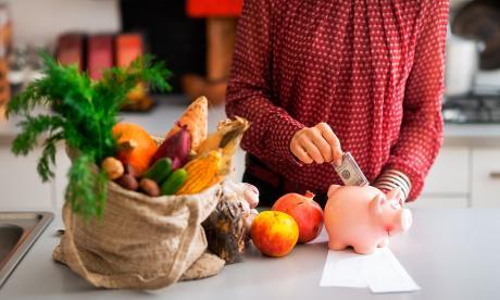 Comer más alimentos como frutas y verduras hace que gastemos menos dinero y podamos ahorrar.