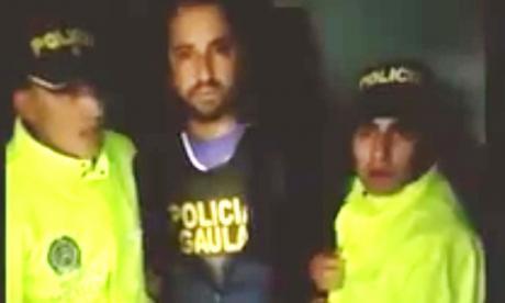 En video: Custodiado por el Esmad sale Uribe Noguera de la clínica
