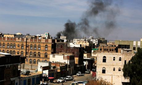 Al menos 100 muertos en combates en Yemen