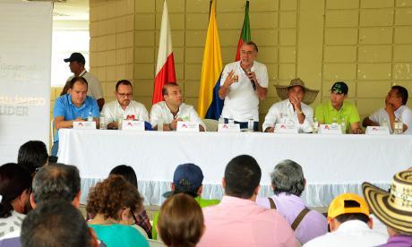 Gobernación anuncia licitación para operador de distrito de riego