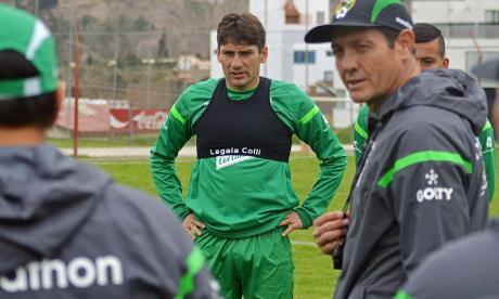 Ronald Raldés, capitán de Bolivia, en el entrenamiento.