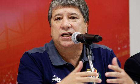 'El Bolillo' Gómez saca por indisciplina a un defensor