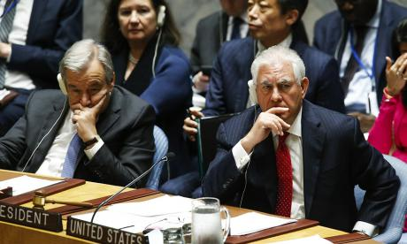 El secretario de Estado Rex Tillerson, derecha, en la ONU, con el secretario general, Antonio Guterres.