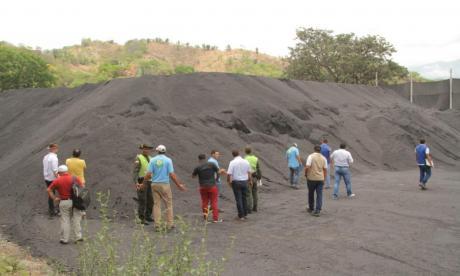 Hallan acopio de carbón a cielo abierto en pleno casco urbano de Santa Marta