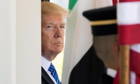 """Trump afirma que tiene """"derecho"""" a compartir información con Rusia"""
