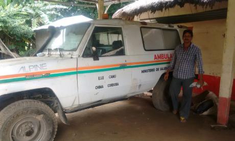 Por falta de ambulancia, en Chimá los enfermos son llevados en burros y motos