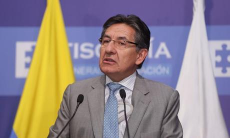 Traperos, platos y autorización de cirugías en inventario de las Farc: fiscal Martínez