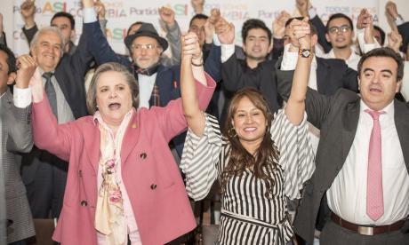 Clara López y ASI oficializan alianza política