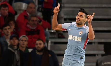 ¡Doblete del 'Tigre'! Falcao gana la batalla a Bielsa y el Mónaco golea al Lille