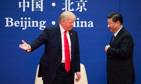 Trump firma en Pekín numerosos acuerdos comerciales