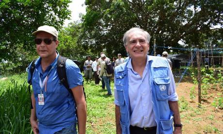 A la izquierda, Jean Arnault, jefe de la Misión de la ONU en Colombia.