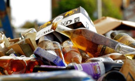 Decomisan 77.000 unidades de licor y cerveza