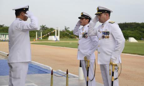 Por primera vez, un almirante asume dirección de Escuela de Suboficiales