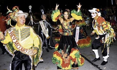 Fin de semana carnavalero: Viernes de Reina y el Garabato del Country