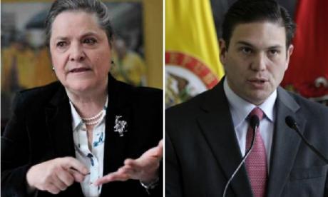 Mientras Clara López insiste en la consulta, Juan Carlos Pinzón se mantiene independiente