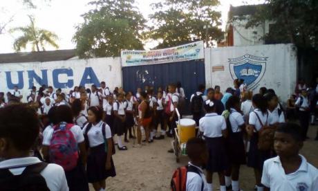 Dos días sin clases completan colegios distritales por la falta de vigilancia