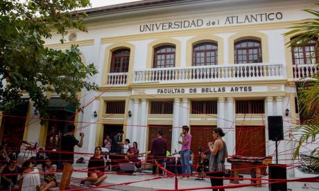 Con actividades culturales, estudiantes exigen recuperar edificio de Bellas Artes