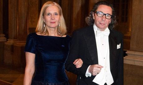 Katarina Frostenson, poetisa sueca, junto a su esposo Jean-Claude Arnault.