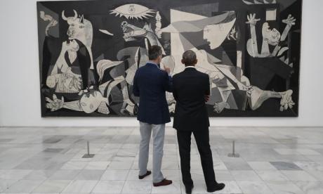 """Felipe VI y Obama visitan en privado """"El Guernica"""" de Picasso"""