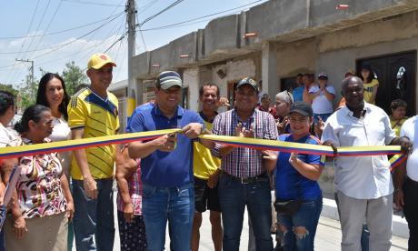 Alcalde de Malambo entrega pavimentación en el barrio Centro