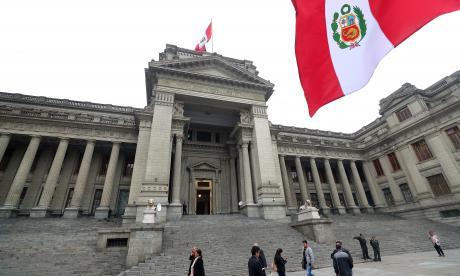 En video    Chávarry, nuevo fiscal general de Perú,  asume su cargo cuestionado por audios