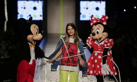La magia de Mickey Mouse en las prendas de Isabel Caviedes
