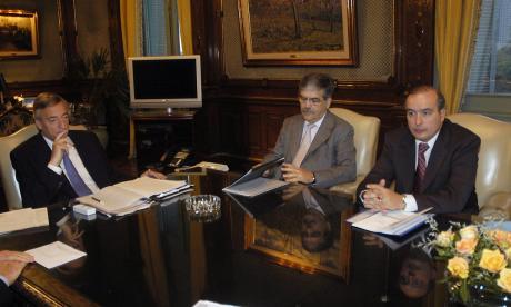 Imagen de 2007: el  presidente Néstor Kirchner (izq.) el  ministro Julio De Vido (c) y José López.