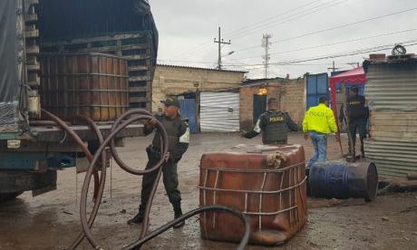 Desmantelan banda que negociaba con gasolina en La Guajira