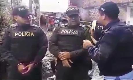 En video | Capturan a dos policías en Medellín por presunta extorsión